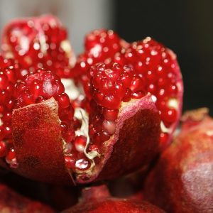 Essential Oils Care - Pomegranate Oil for Face